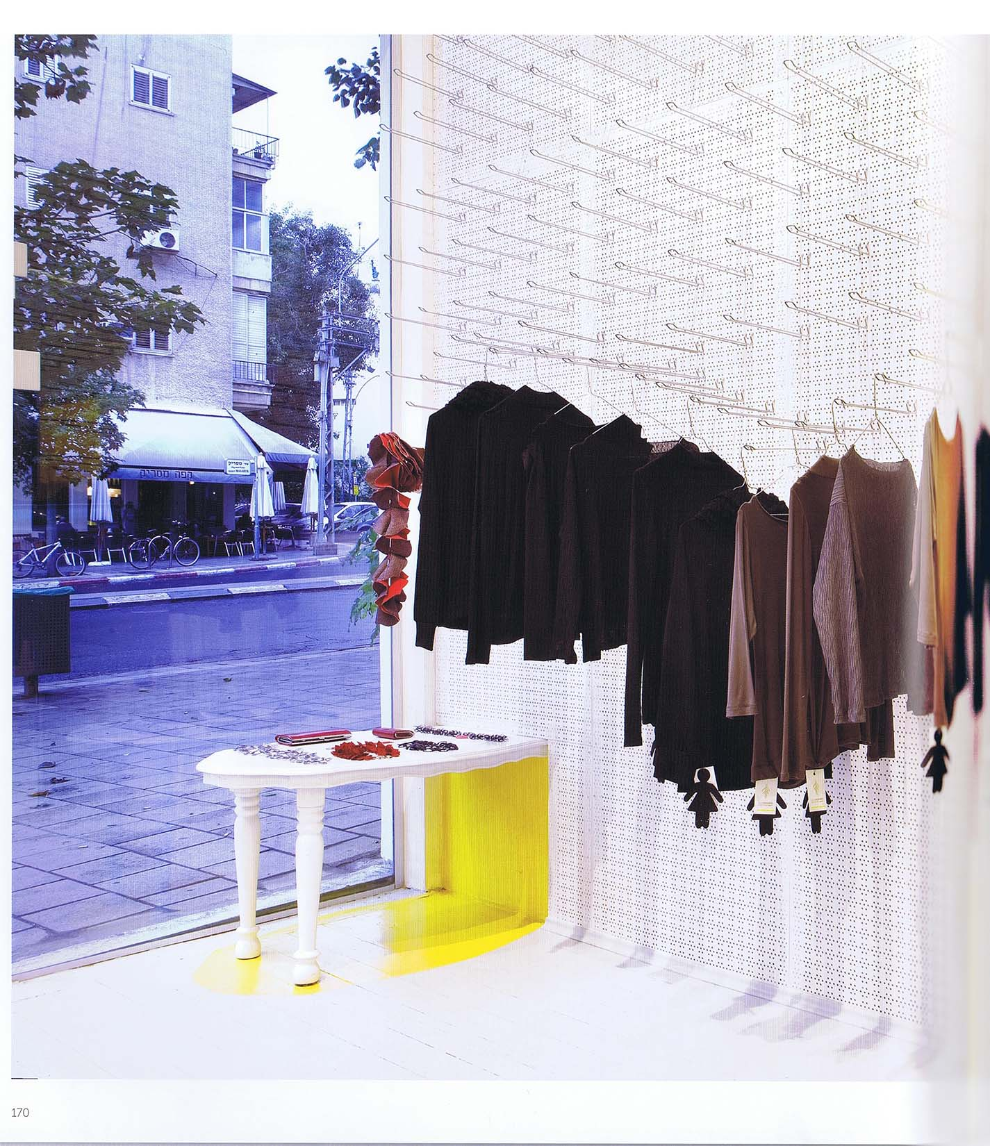 2012_Color Space_Delicatessen-Clothing Store_03